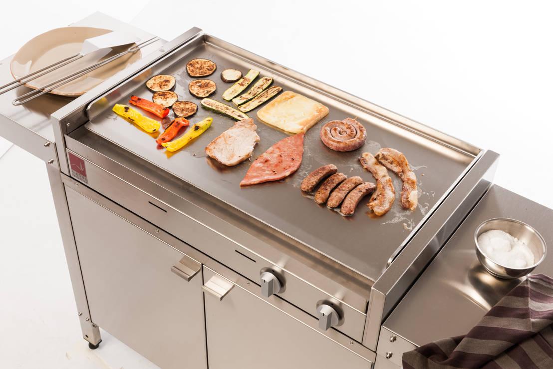 tutto questo grazie alla piastra superiore in acciaio inox che ti permette di cucinare in maniera professionale qualsiasi cosa dalla carne alle crepes per
